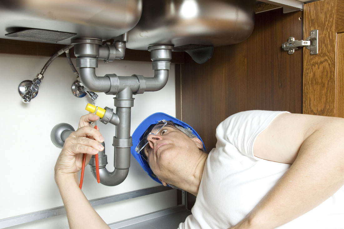 The Benefits Of Hiring A Professional Plumber In Riverside